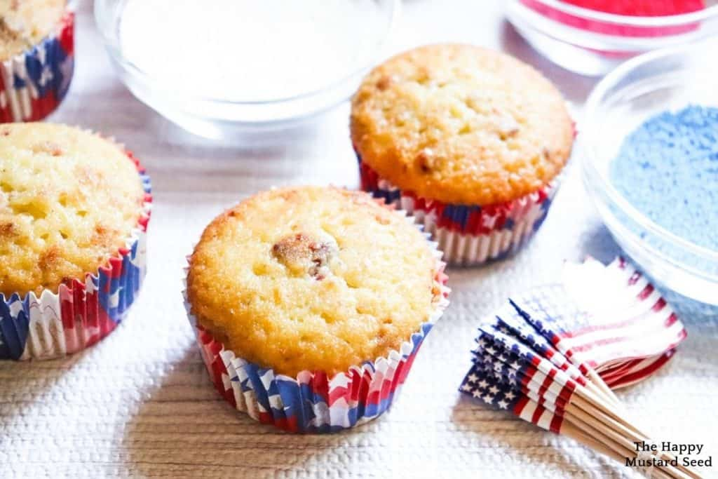 fourth of july patriotic cupcakes