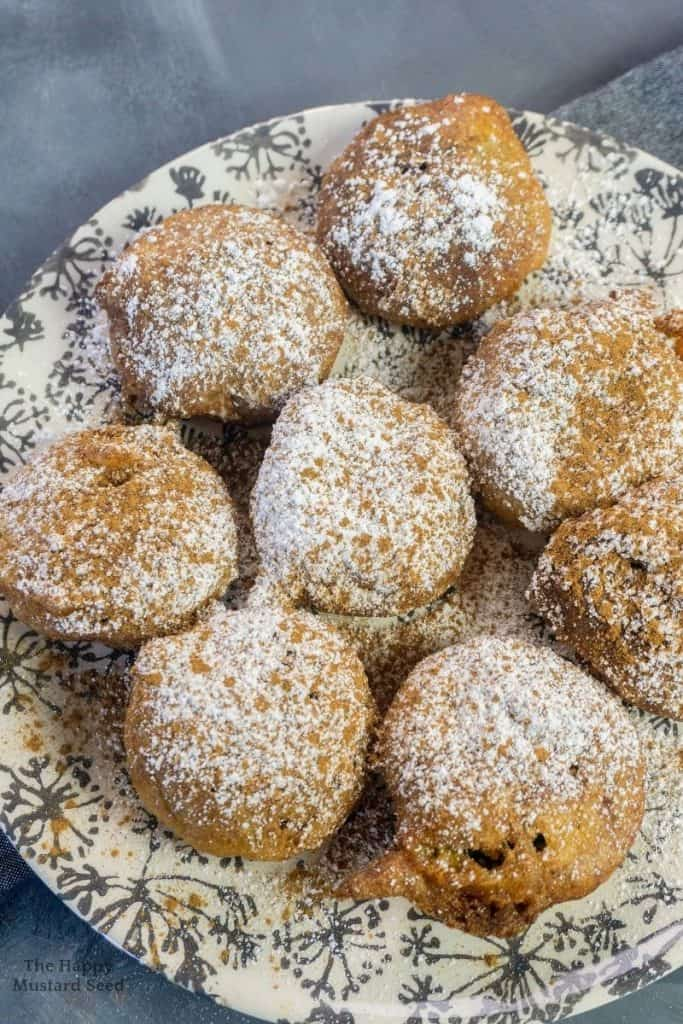 Deep Fried Oreos Recipe with powdered sugar