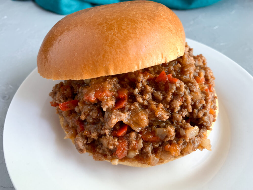 old-fashioned-sloppy-joes-sandwich-on-plate