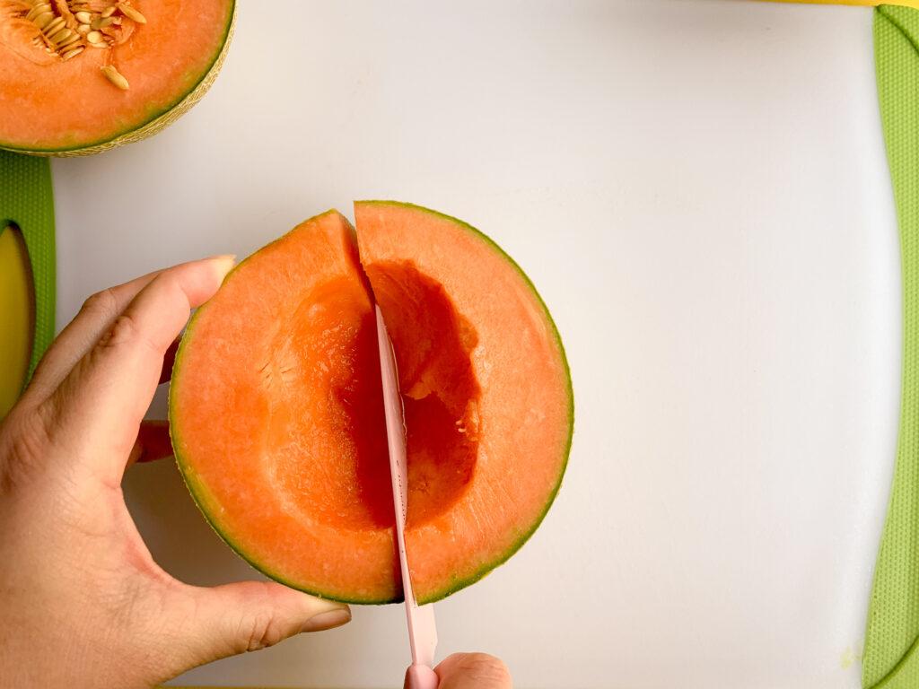 How-To-Cut-A-Cantaloupe-quartered