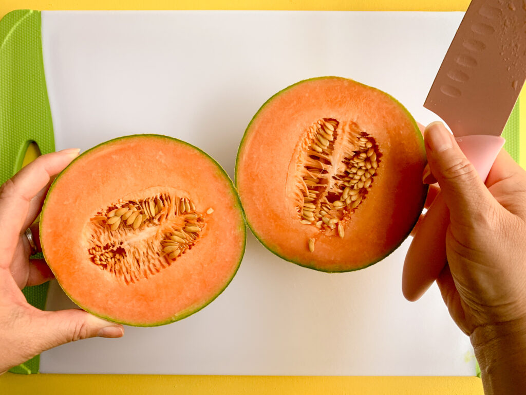 How-To-Cut-A-Cantaloupe-sliced-in-half
