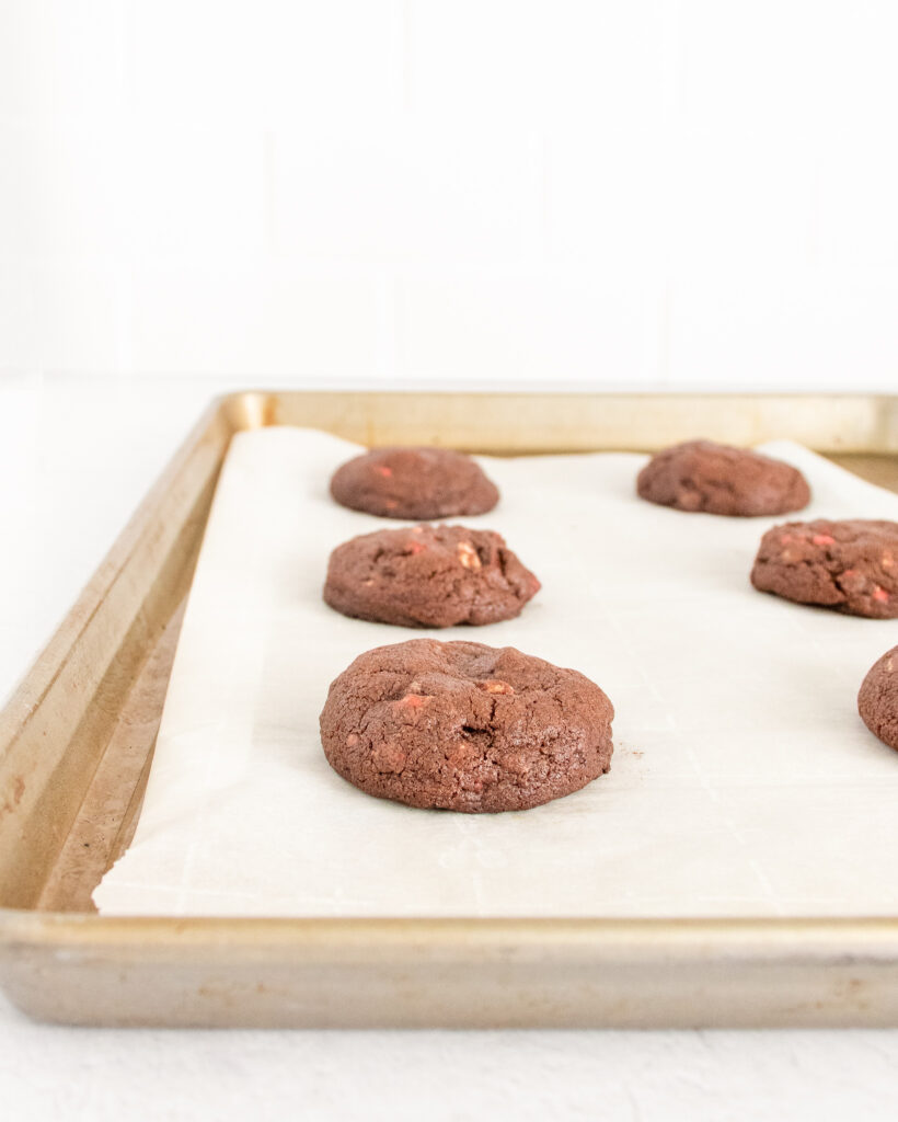 baked-cookies-on-a-cookie-sheet