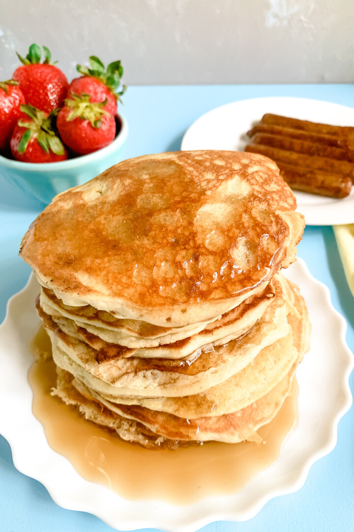 Sourdough-Pancakes-with-maple-syrup