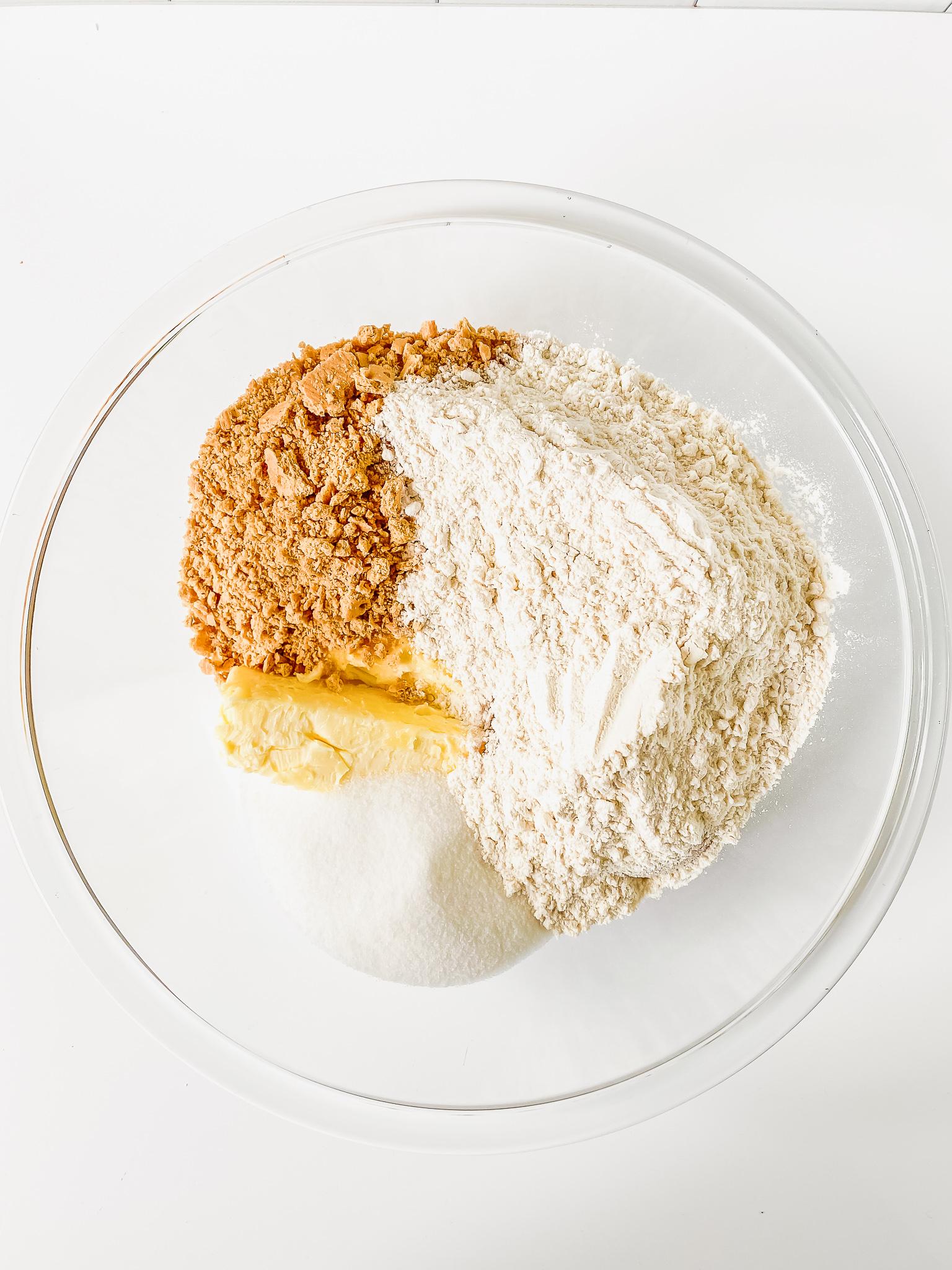 dry ingredients in bowl for lemon bars