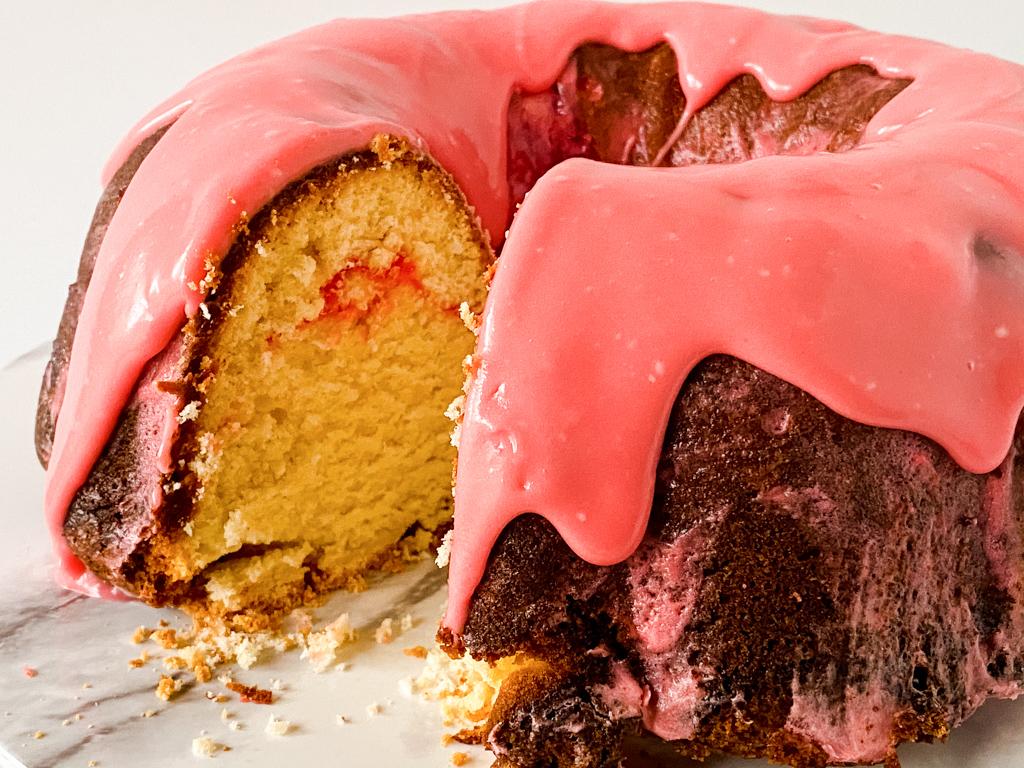 strawberry pound cake with glaze