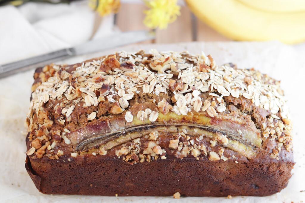 sourdough banana bread with oats